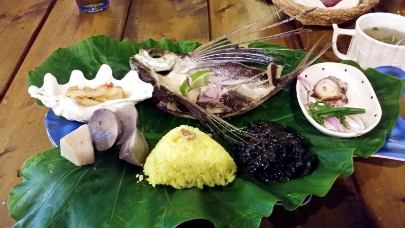 蘭嶼的特色飛魚餐。(圖/俞嘉琦 拍攝)