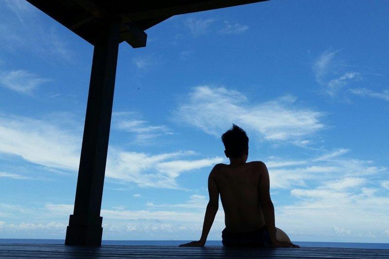 在發呆亭靜靜望海,也是一大享受。(圖/俞嘉琦 拍攝)