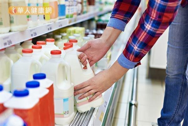 蘇妍臣營養師表示,目前沒有充分的證據顯示喝牛奶會增加子宮肌瘤的風險。(圖/華人健康網提供)