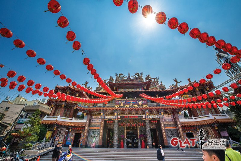 清水老街上最大的廟宇是紫雲巖,供奉觀世音佛祖。(圖/台中好生活提供)