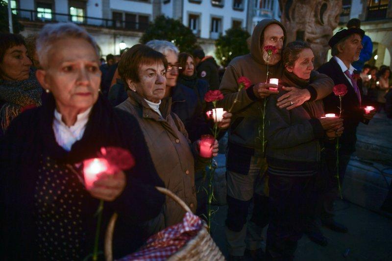 4月27日西班牙宣布拆除納粹「禿鷹軍團」在格爾尼卡鎮的烈士碑。(美聯社)