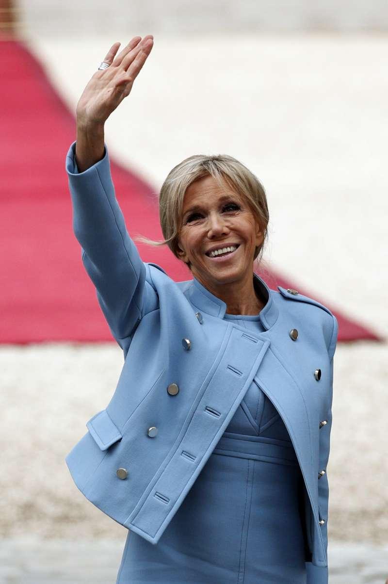 法國新總統就職:法國第一夫人布莉姬特(AP)
