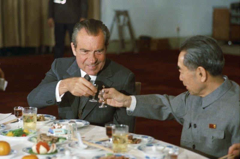 美國總統尼克森與中國總理周恩來,1972年(Wikipedia / Public Domain)