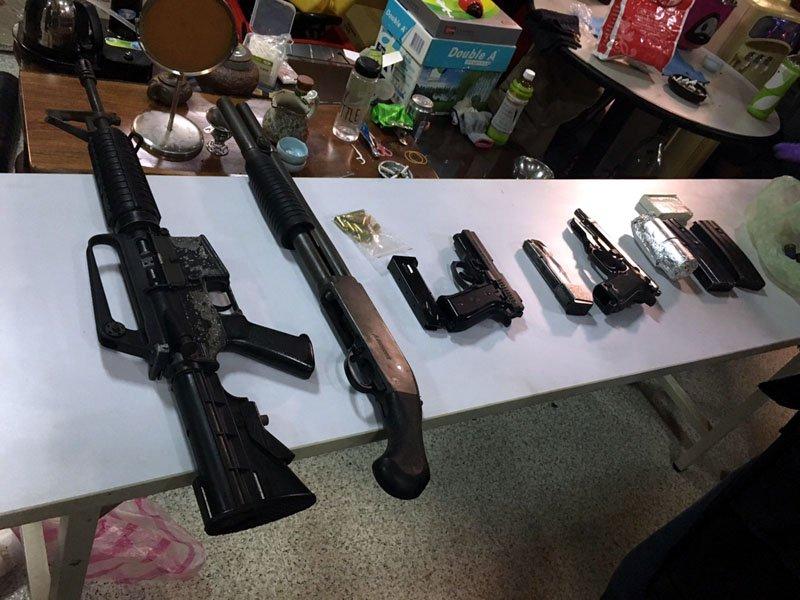 查獲的槍彈中,有突擊步槍,十分罕見。(圖/張毅攝)
