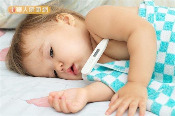 比較小的嬰兒或體重很輕的新生兒,量體溫時可考慮量腋溫。(圖/華人健康網提供)