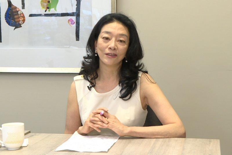 禮儀專家陳弘美獨家接受風傳媒專訪。(圖/何仁楷攝)