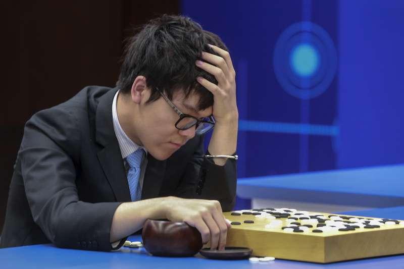 人工智慧軟體AlphaGo與中國棋王柯潔3盤對戰,AlphaGo大獲全勝(AP)