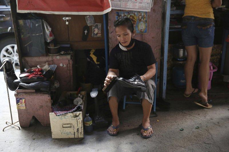 《我家的奴隸》一文,揭露菲律賓奴役家傭的歷史文化。(美聯社)