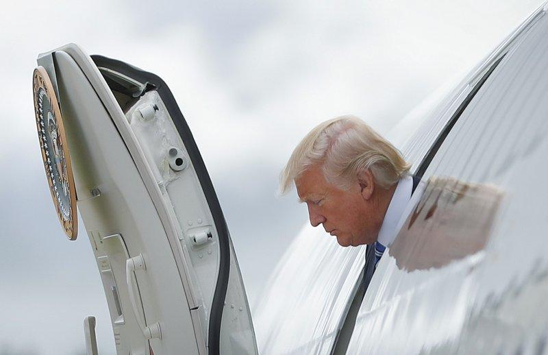 美國總統川普結束出訪行程,一回國就大罵美媒製造「假新聞」(AP)