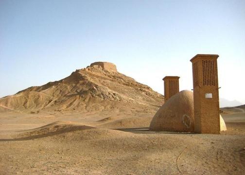 伊朗亞茲德市(Yazd)的寂靜塔。(圖/Outside提供)