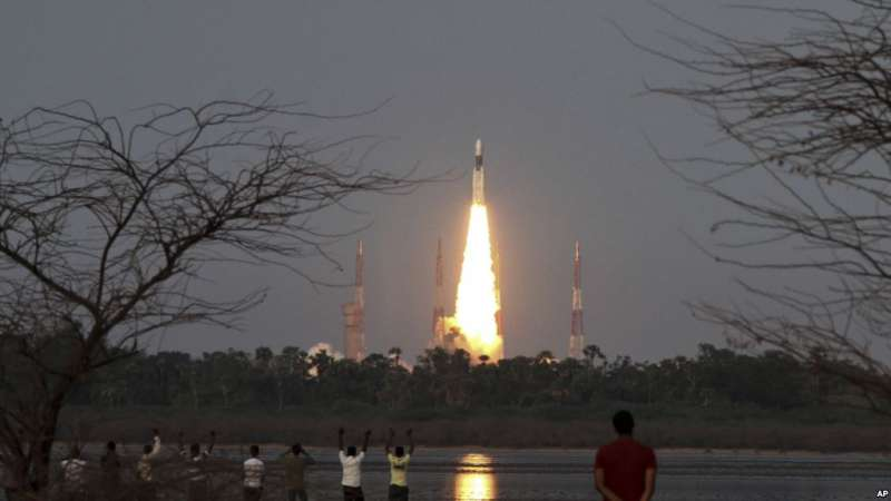印度成功發射一顆「重量級衛星」,成為世上第6個有能力發射重量超過3噸的超級衛星的國家。(美國之音)