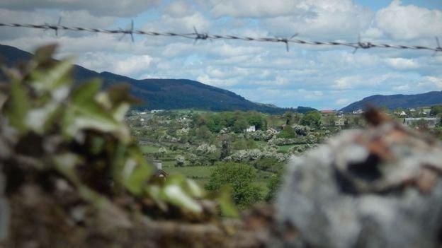 北愛和愛爾蘭共和國的邊界將成為脫歐後英國與歐盟的邊境。(BBC中文網)