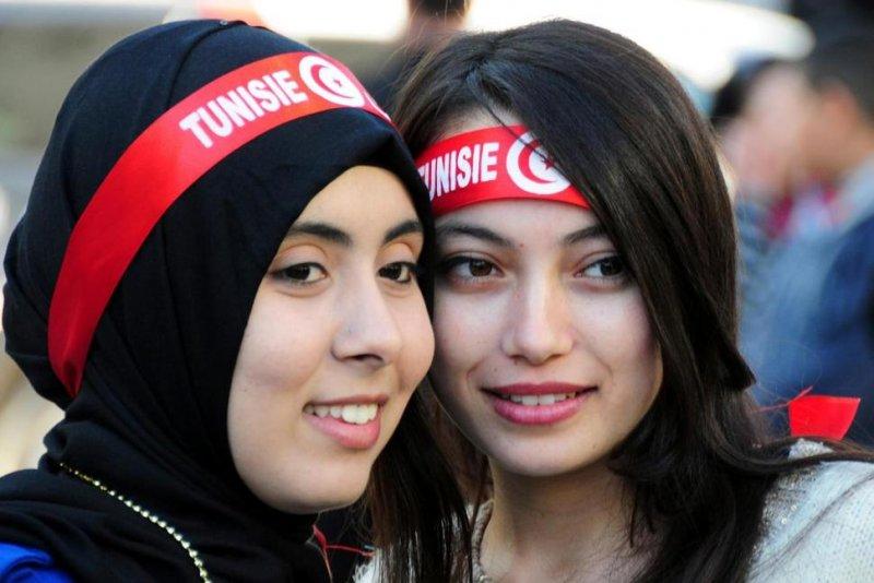 突尼西亞較為開放,女性的受教權、工作權和參政權都較其他中東國家高。(美聯社)