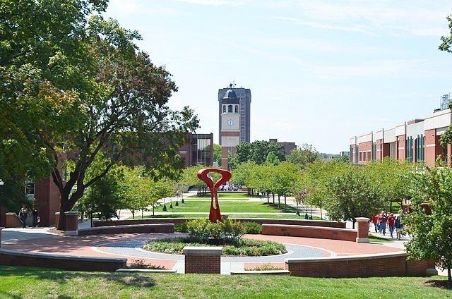 西肯塔基大學(圖片來源:Bbadgett, CC BY-SA 3.0;想想論壇提供)