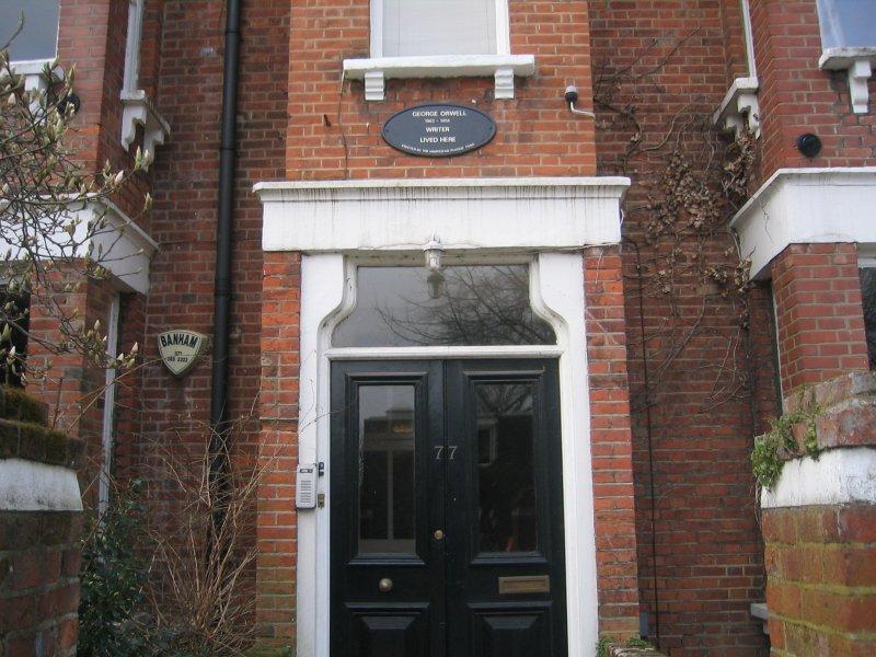 1935年,喬治.歐威爾在這裡住了6個月。(Wikipedia/Public Domain)