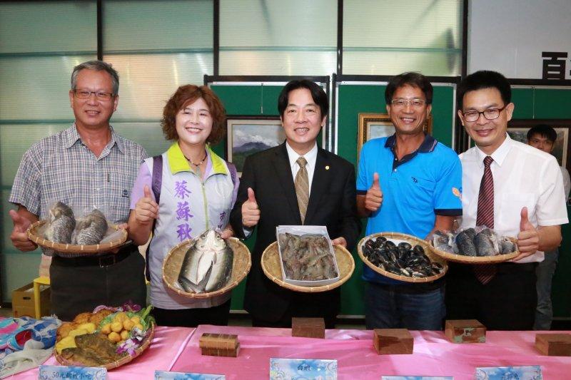 台南市長賴清德推薦夏日至七股品嘗海鮮。(圖/台南市政府提供)