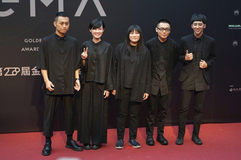2017年金曲獎,「草東沒有派對」奪下「最佳新人獎」、「最佳樂團獎」,並以《大風吹》奪下「最佳年度歌曲」(美聯社)