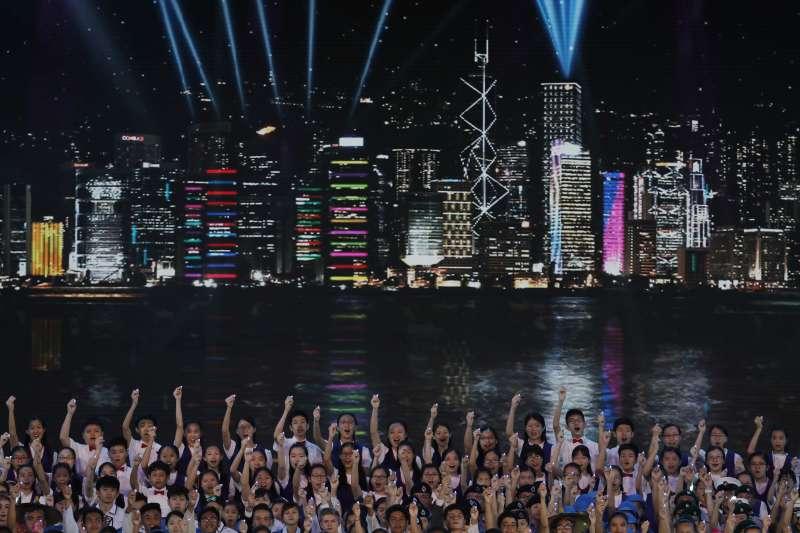 香港回歸中國20年,中國經濟起飛帶動香港發展,但也使香港產業走向單一化(AP)