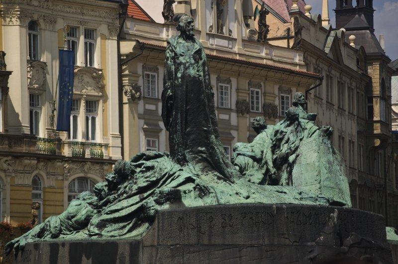 位於捷克的胡斯雕像。(Aqwis@wikipediaBYCCSA3.0)