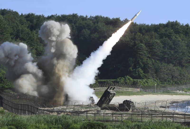 北韓4日試射洲際飛彈成功,美國與南韓當日立刻舉行罕見的實彈演習。(美聯社)