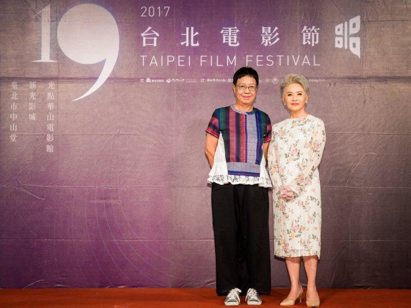 (左起)《明月幾時有》導演許鞍華、演員葉德嫻(圖/台北電影節提供)