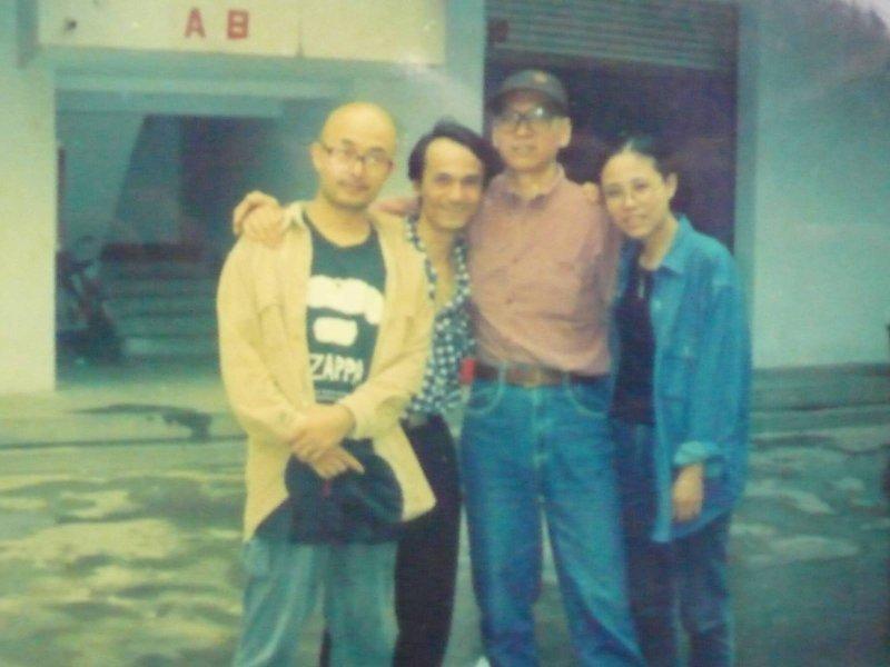 廖亦武(左一)與劉霞、劉曉波等友人合照。(廖亦武臉書)