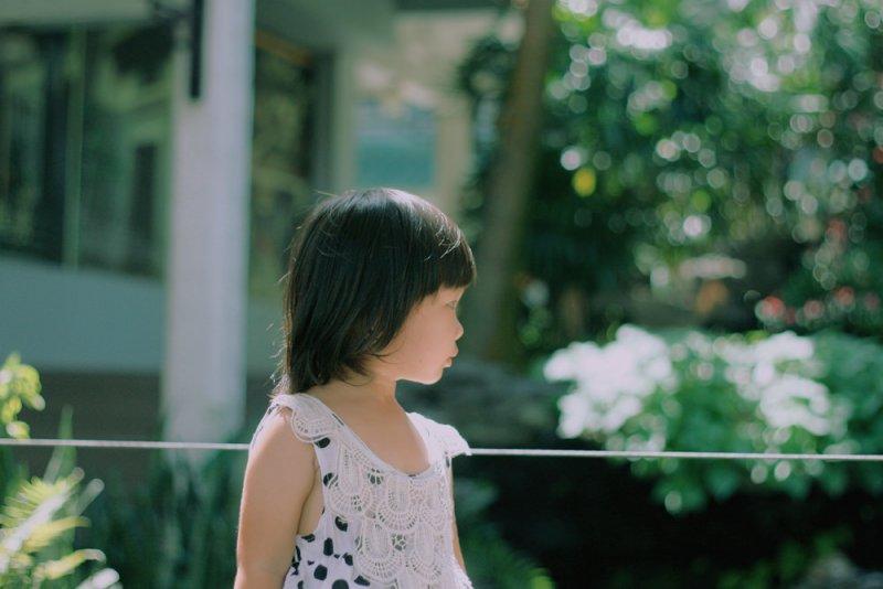 「為什麼只剩下我一個人?」最後一個回家的孩子,通常心境上會感到落寞...(圖/隆氷广@flickr)