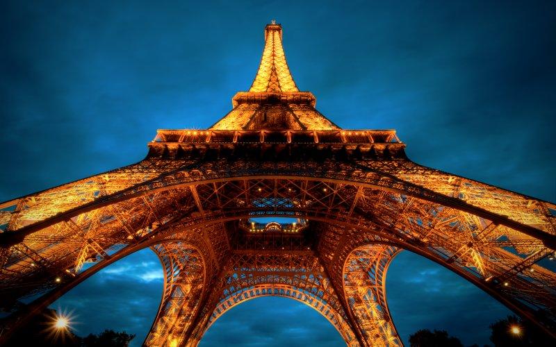 法國巴黎最知名的地標 – 艾菲爾鐵塔 ( la tour Eiffel).jpg