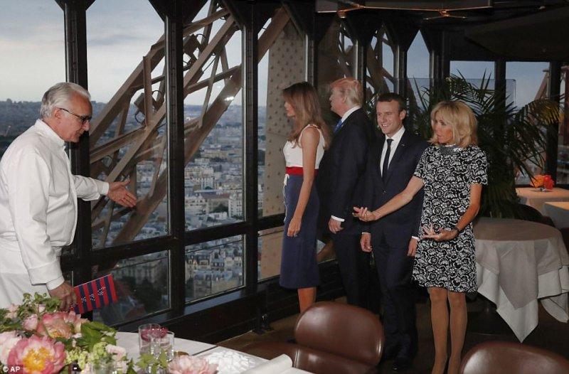 法國料理界的帝王 Alain Ducasse 親自在 Jules Verne 接待法國總統與美國總統伉儷.jpg