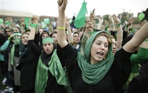 伊巴迪說,許多伊朗女性受過高等教育,因此伊朗的婦女運動很強(AP)
