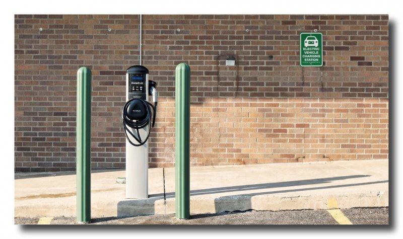 英國2040年將全面禁止販售柴汽油車。(Mark Turnauckas@flickr)