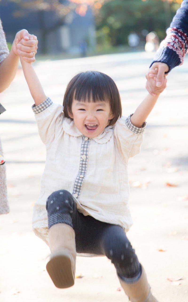 離婚後,如果孩子要輪流在兩個家庭生活,應討論好一致的教養方式和規範。(圖/pakutaso)