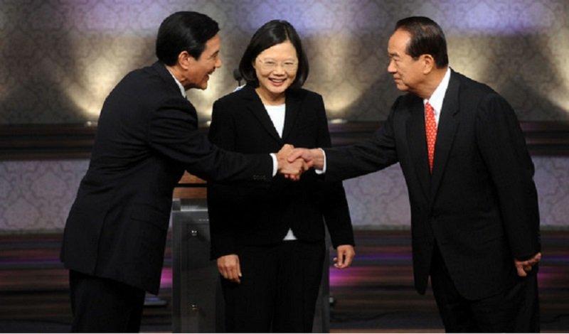 馬英九總統只能在辯論會上與在野黨領袖會面。(2012總統大選電視辯論/台北記者聯誼會)