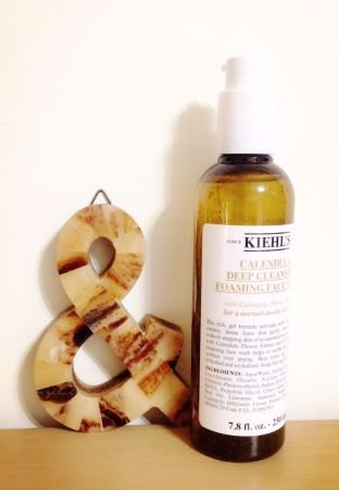 Kiehl's金盞花植物精華潔面泡泡凝露。(圖/MarieClaire美麗佳人提供)