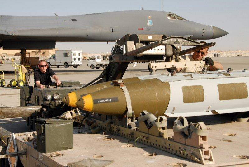 B-1B「槍騎兵」戰略轟炸機的彈藥(Wikipedia / Public Domain)