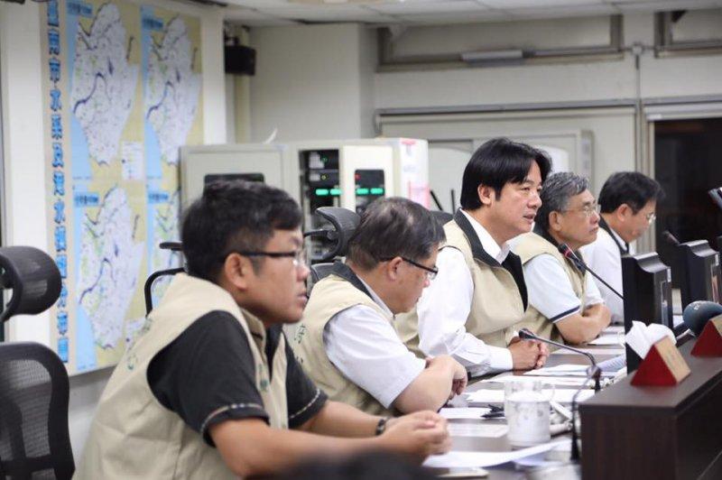 台南市長賴清德主持海棠颱風防災會議(賴清德臉書)