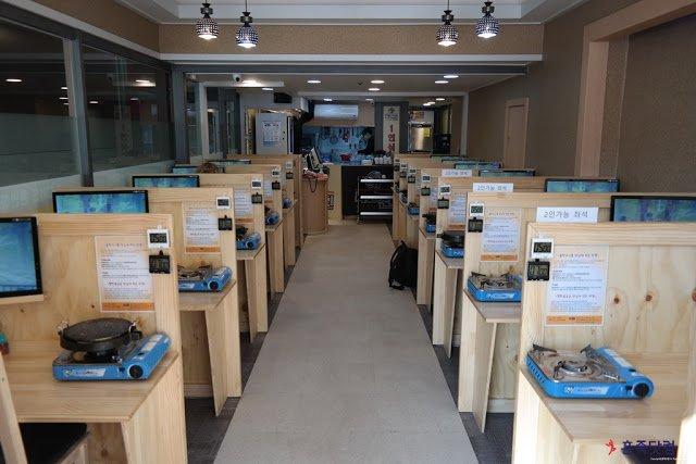 最近網路上流行的「一人烤肉店」(圖/혼족닷컴,全民台韓誌提供)