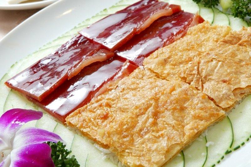 擁有數十年歷史的彭園湘菜館,除了是適合婚宴喜慶的場地外,也是家庭聚餐的好去處(圖 / 彭園湘菜館@富邦食神幫)