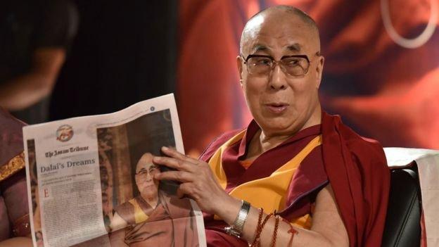 達賴喇嘛今年4月訪問中印主權爭議的阿魯納恰爾邦,中國提出抗議。流亡藏人學者認為,如果中國讓達賴喇嘛返回西藏,將大大削弱印度在東部爭議領土的談判地位。(BBC中文網)