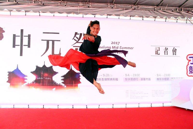 國際級舞者張逸軍的編舞,具有國際視野及水準。(圖/文化局提供)