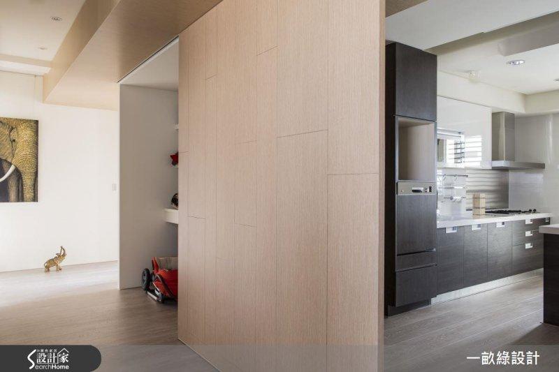 若大型的雜物、行李箱等較多,建議設計時,可以預留大型的儲物間空間。(圖/設計家Searchome提供)