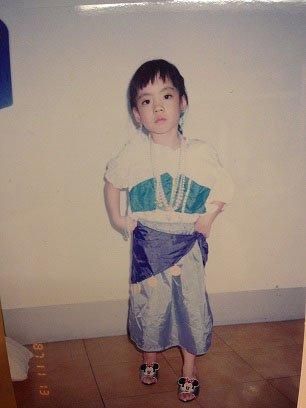 小時候最喜歡扮成鐘樓怪人裡面的艾絲梅達。(圖/廣藝基金會提供)