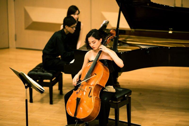 一路就讀音樂班,主修大提琴。(圖/廣藝基金會提供)