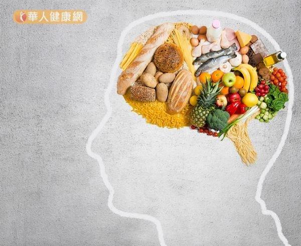 結合「地中海飲食」和「得舒飲食」2種健康飲食型態而成的「心智飲食」,是目前預防失智症的新飲食建議。(圖/華人健康網提供)