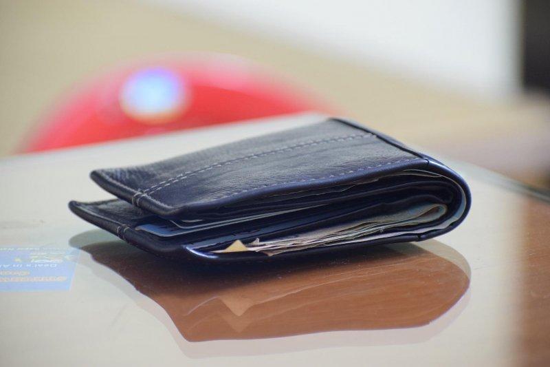 受薪階級的辛苦,從日漸消瘦的荷包就可看得出來(圖/pprasantasahooo@pixabay)