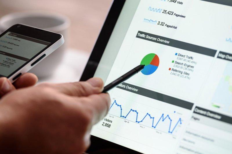 想要有效的長期投資,還是必須尋求專業建議(圖/Photo-Mix@pixabay)
