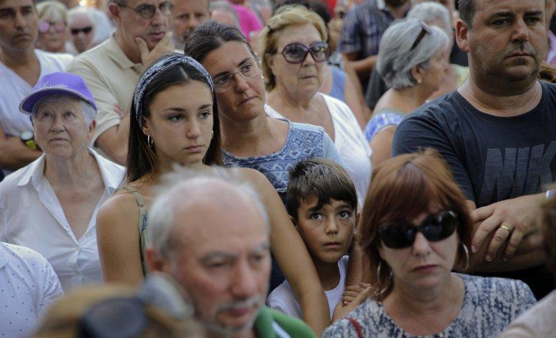 西班牙地中海濱度假勝地坎布里爾斯(Cambrils)18日發生恐怖攻擊,歹徒駕車衝撞人群,造成多人受傷(AP)