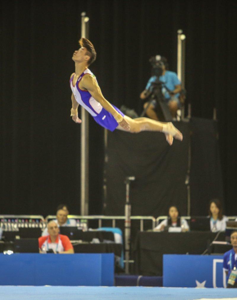 世大運在競技體操項目,競技體操、男子個人全能、中華隊103徐秉謙。(陳明仁攝)
