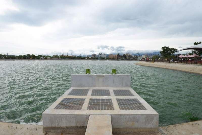 桃園市政府與石門農田水利會合作,將西坡埤塘轉型為滯洪池,設置為「西坡埤塘生態公園」,22日正式啟用。(圖/桃園市政府提供)