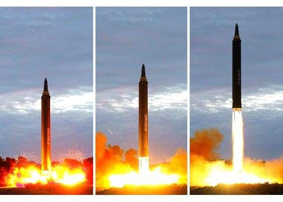 火星12型飛彈試射。(勞動新聞)